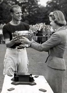 PUBLIC DUKE OF EDINBURGH 1957 DUKE'S POLO VICTORY - HIS TEAM WON COWDRAY GOLD CUP Lady Cowdray presents the Cowdray Park Gold Cup to the Duke of Edinburgh after his team - Windsor Park - beat Casarejo in the final during the polo tournament - at Cowdray Park, Sussex today (Sunday).